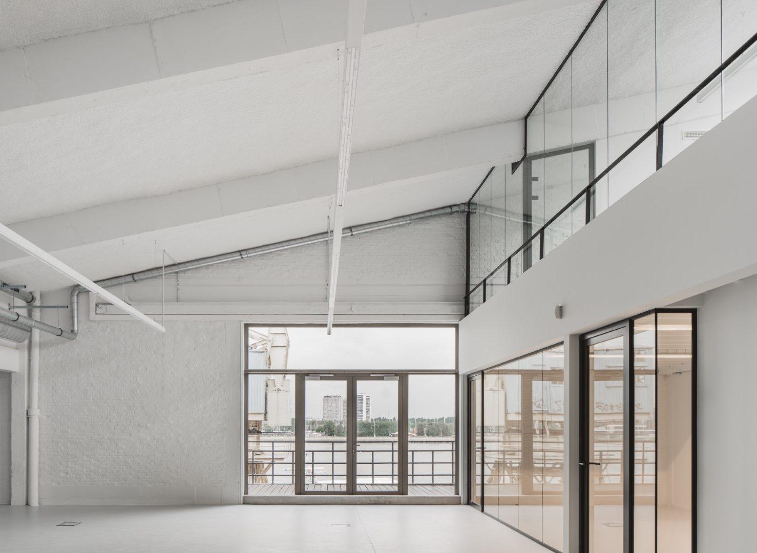 faktordertig - Hangar 26 - iconisch gebouw - architectuur - interieur - np bridging - leasinvest - kantoor