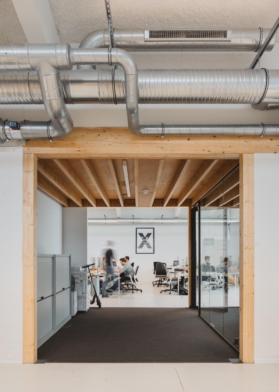 faktordertig - Hangar 26 - architectuur - iconisch gebouw - interieur - np bridging - leasinvest - kantoor